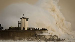 ap_britain_flooding_140216_16x9_992